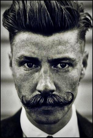2. L'achat de la bonne cire à moustache