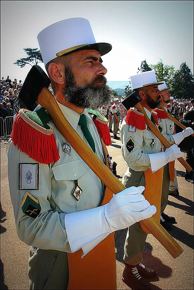 pionniers de la légion étrangère lors du défilé du 14 juillet