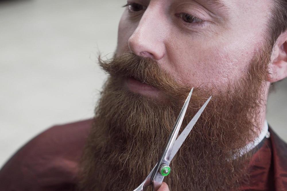 Comment avoir une barbe plus vite et plus épaisse ?