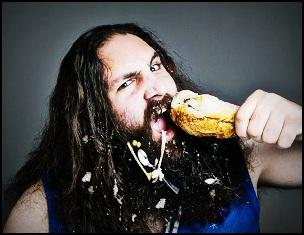 Comment boire et manger proprement lorsqu'on porte une barbe ou une moustache ?