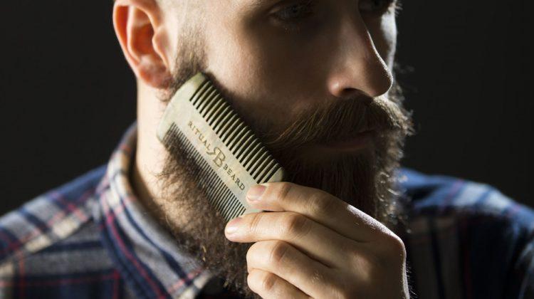 Comment choisir le meilleur peigne à barbe ?