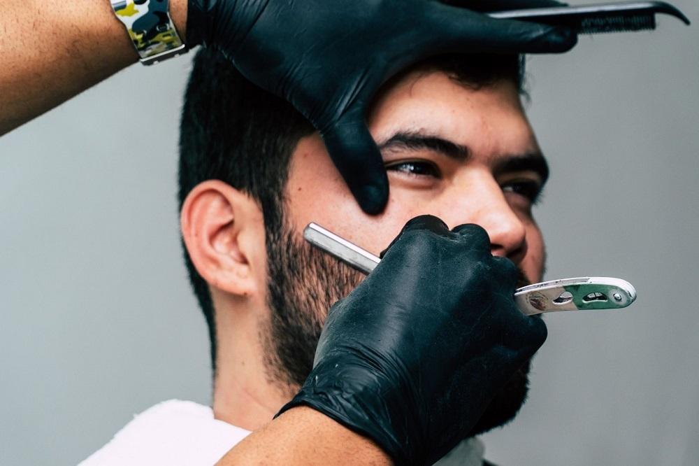 Devenir un barbier professionnel en choisissant parmi les options de formation