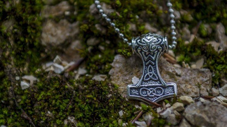 Pourquoi opter pour des bijoux de l'univers viking?